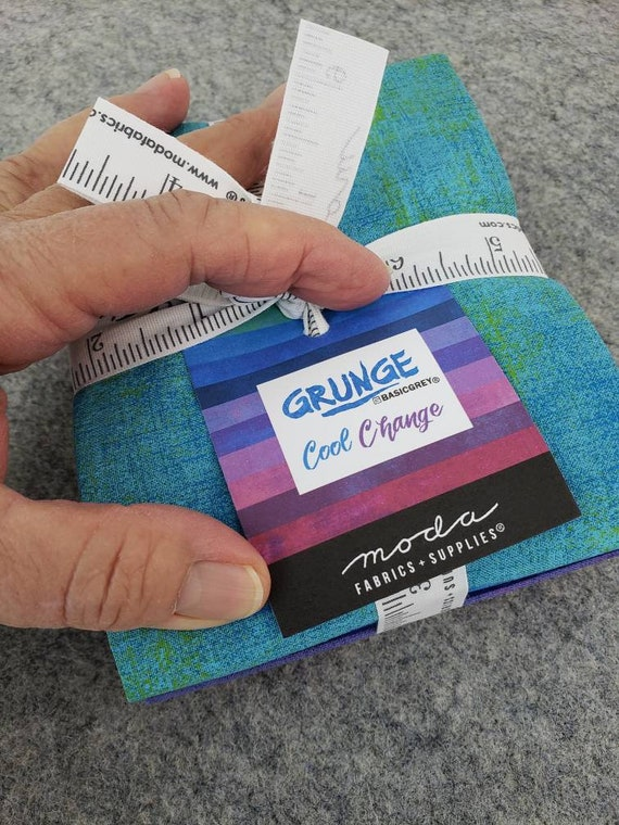 10 Grunge Fat Quarters For Your Quilting Project, Quality Moda Fabrics, Blue To Red, Cool Change ABCC