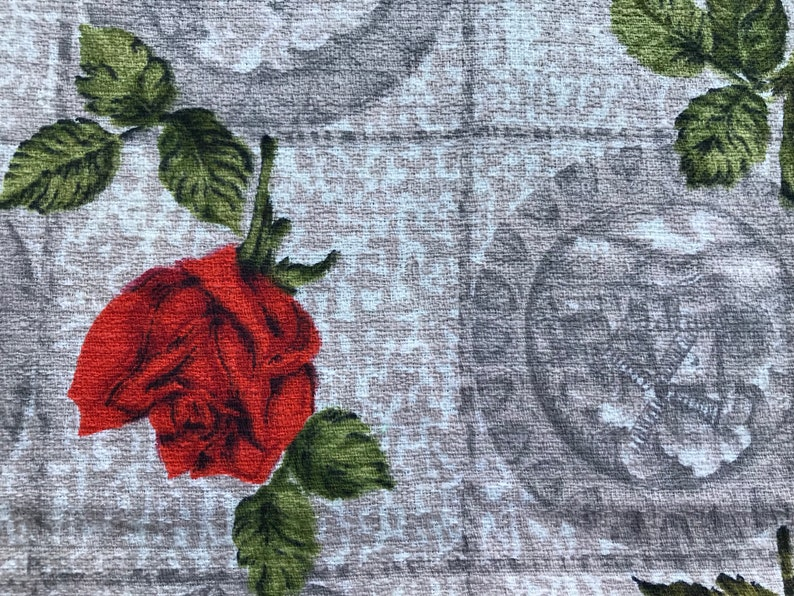 stunning piece of 1950s barkcloth vintage fabric