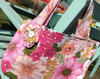 Hand made handbag  using 1950s vintage fabric