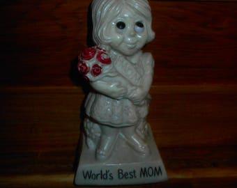"""Vintage 1973 R & W Berries Resin Figurine """"World's Best Mom"""""""