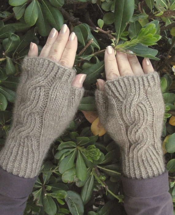 Tips On Blending Great Colors With Beige: Fingerless Mitts Beige Merino Possum Blend Natural Color