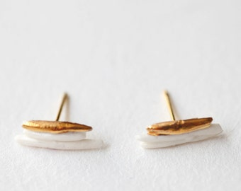 Ariège, porcelain and gold earrings, glazed. Porcelain jewelry