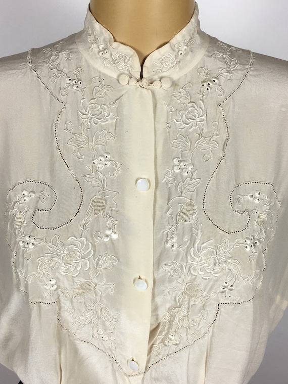 1940's/ 50's SILK EMBROIDERED BLOUSE - image 4