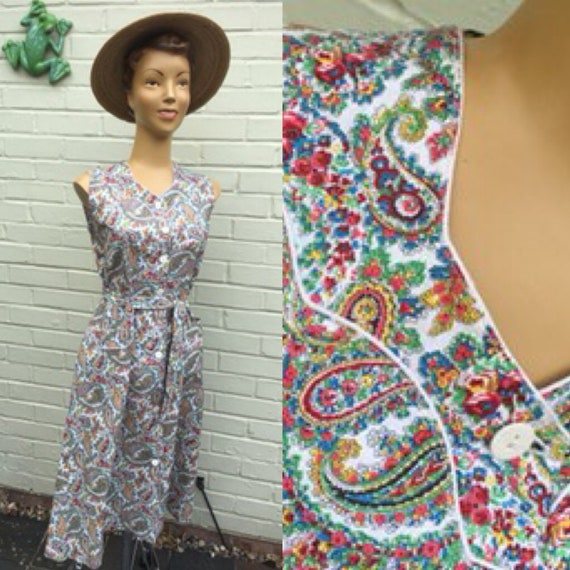 1940s/ 50s COTTON PAISLEY PRINT  House Chore Dress