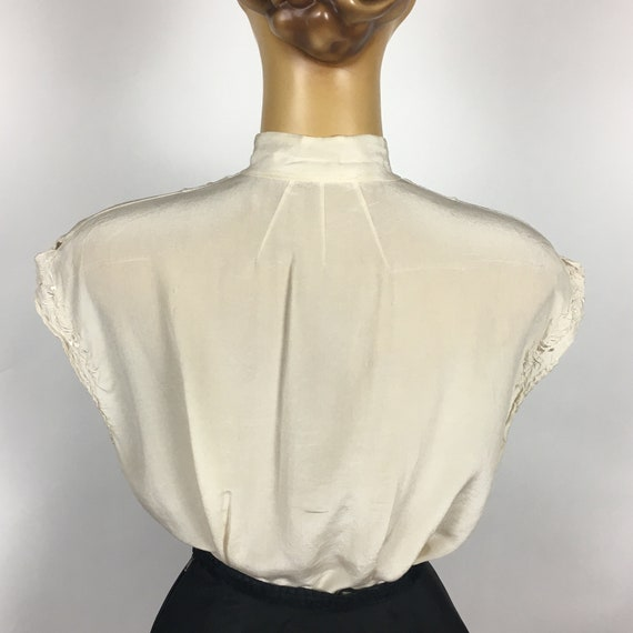 1940's/ 50's SILK EMBROIDERED BLOUSE - image 7