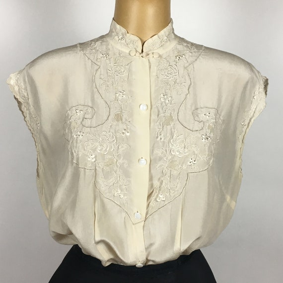 1940's/ 50's SILK EMBROIDERED BLOUSE - image 3