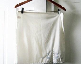 Vintage Half Slip // Vintage undergarment // Vintage pinup // Vintage boudoir // medium, M, 6, 8, 10