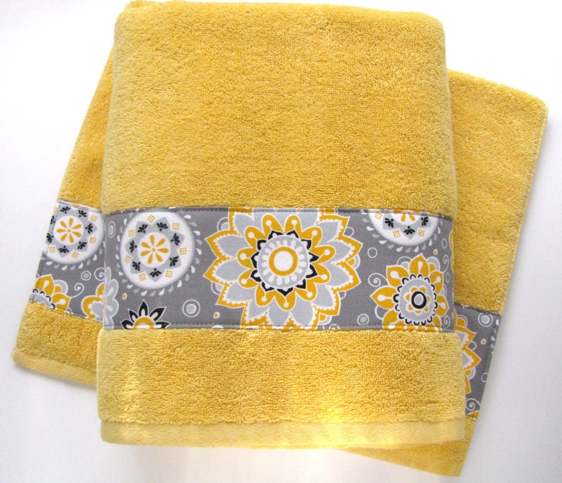 Enjoyable Pick Size Yellow Bath Towel Hand Towels Yellow Towels Yellow And Grey Hand Towels Custom Towels Yellow Chevron August Ave Bath Towel Download Free Architecture Designs Estepponolmadebymaigaardcom