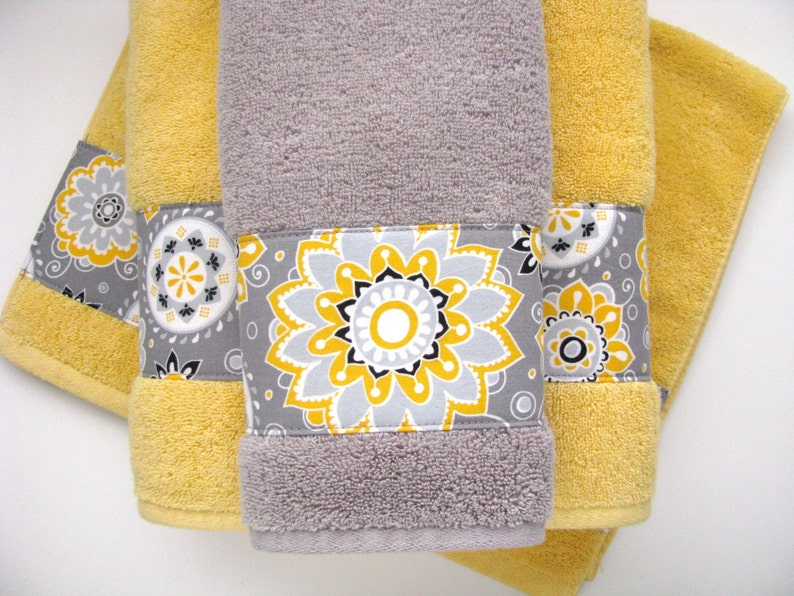 Awesome Yellow Grey Gray Bathroom Towels Hand Towels Towel Yellow And Grey Yellow Bathroom Bath Decor Grey Towels Yellow Towels Towel Rack Download Free Architecture Designs Estepponolmadebymaigaardcom
