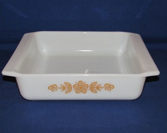 PYREX 922 BUTTERFLY 8 X 2 Brownie Small Casserole 1970s