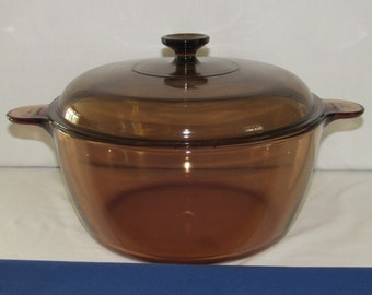 VISIONS STOCKPOT 4.5 Liter with Lid Amber Glass