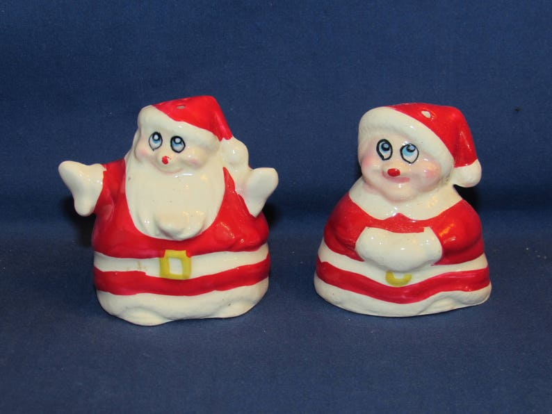 SALT AND PEPPER Santa and Mrs Claus Japan Big Eyes Free Shipping