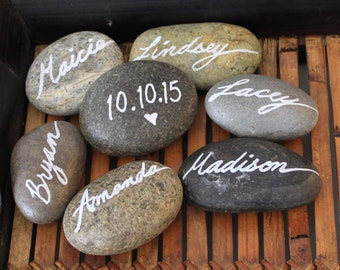 hand-lettered wedding beach stone place card, beach stone wedding place setting, rustic wedding beach stones, boho wedding, woodland wedding