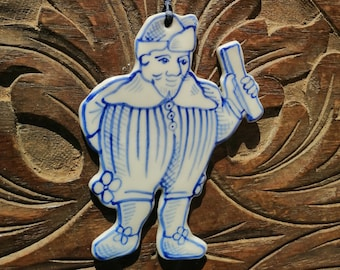 Mr Nobody  handpainted porcelain decoration