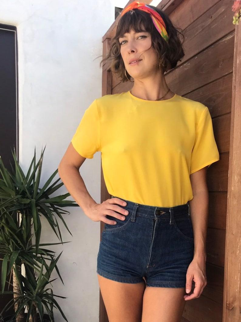 Beautiful Vintage Yellow Silk Short-Sleeve Blouse Top