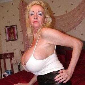 amateur fat pussy big tits