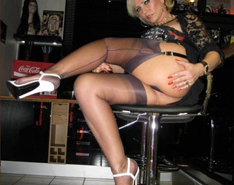 real mature amateur nylons