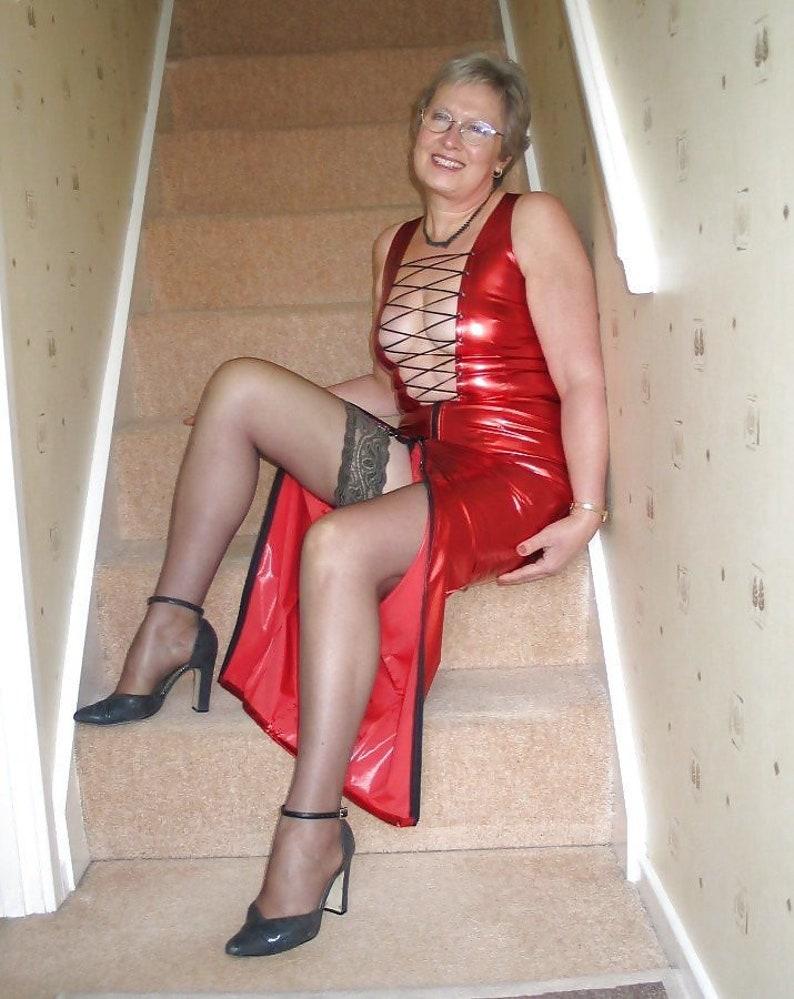 Amateur Mature Pictures: Granny , MatureNana looking