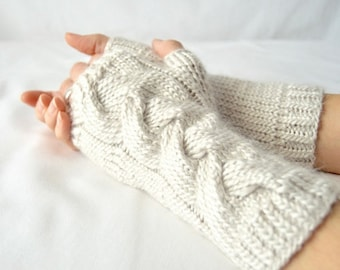 Poney Braid Fingerless Gloves Knitting Pattern