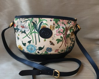 e2b0a68ee7c Authentic Vintage 1970s Gucci Flora Navy Leather Trim Crossbody Bag Rare
