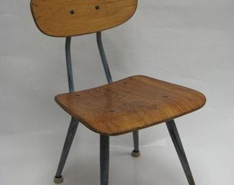 Elegant Vintage / Mid Century Modern Childrens School Chair ...