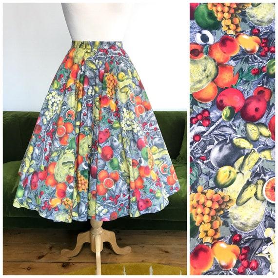 Vintage 1950s 'Skirt Pride' cotton fruit novelty p