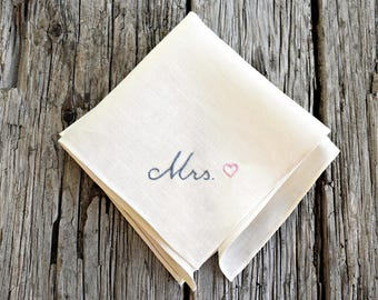 New Bride Wedding Handkerchief, Wedding Day Hankerchiefs, Bride and Groom Hankies, Bridal Hanky, Mrs Handkerchief with Heart, New Mrs Hankie