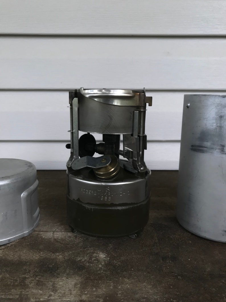 Rogers- Akron Ohio M1950 stove dated 1966 with US Leyse 1968 Cook Can
