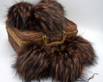 Koa Wood Faux Fur Pom Pom
