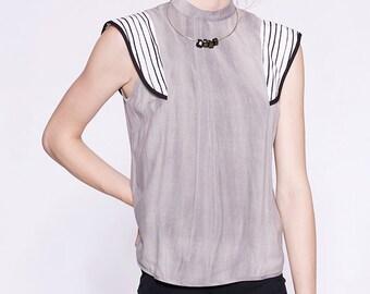 NINA - haut minimaliste à volants pour femmes - gris stone