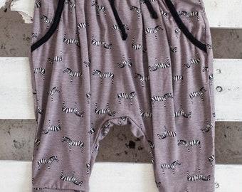 JOLLY RANGER - sarouel 3/4, pantalon lousse de longueur 3/4 pour bébés -  taupe
