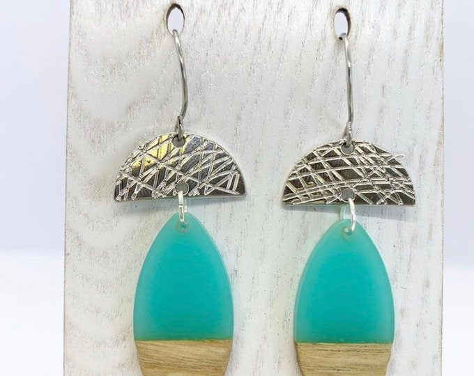 Featured listing image: Art deco style acrylic & wood drop earrings