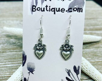 Matte silver hearts with flowers