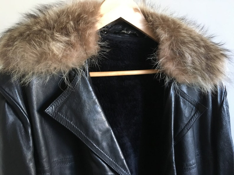c5ec07b6d Vintage Leather Coat Jacket With Real Fur Collar 1970s