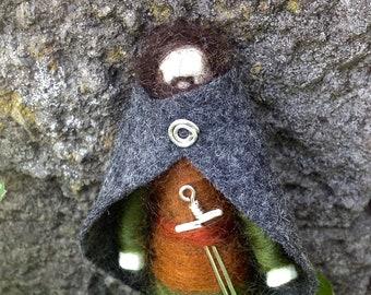 Aragorn Felt Figure, Lord of the Rings Felt Doll, Needle Felted Miniature, LOTR, Strider, Middle-Earth Felted Figurine