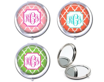 Personalized compact mirror, monogram pocket mirror, bridesmaid gift for girlfriend, custom purse mirror, gift under 15.