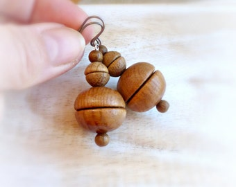 Bold wooden bead earrings , African inspired wood jewelry , Ethnic round earrings , Brown wooden earrings , Gift for women , Gift for her