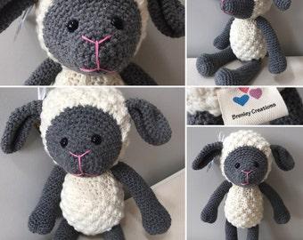 CUDDLY SHEEP / LAMB: crochet stuffed animal