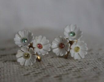 Vintage Screw-Back Earrings - Floral Earrings - Wedding