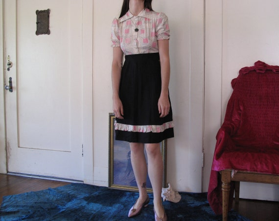 1940's Novelty Print Puff Sleeve Dress sz Sm