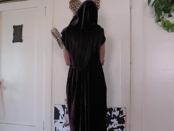 1930's Purple Silk Velvet Hooded Dress sz Med/Lrg - image 4