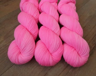 Bubble Gum ~Smooth Sock~ SW Merino/Nylon Hand dyed sock yarn,100gr Fingering weight wool