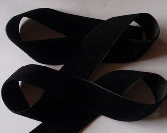 5 yards 1 inches Velvet Ribbon in Black RY01-03