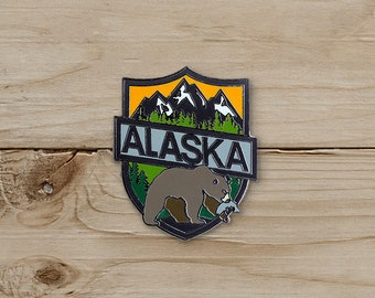 Bear, Alaska Pin / Pin Collection / Lapel Pin Collecting