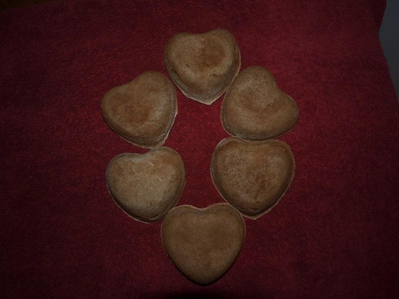 6 Fake Primitive Mini Heart Pantry Cake Ornies  Perfect image 0