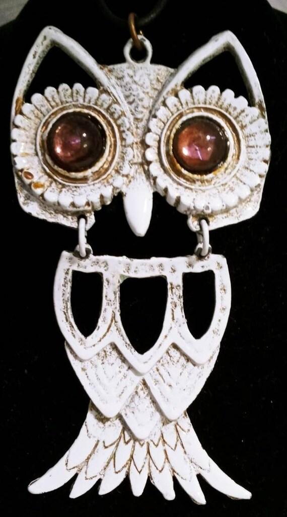 Vintage retro antique style antique bronze coloured chandelier owl necklace