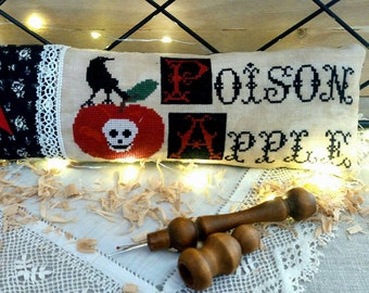 poison apple chart and charm