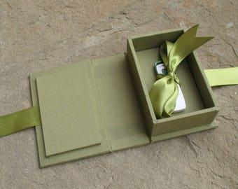 scatola per chiavetta USB in cartone rigido rivestita in tela