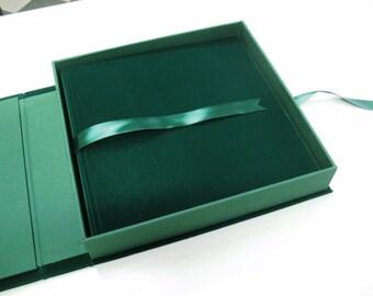 scatola per album fotografico in cartone rigido rivestita in VELLUTO VERDE