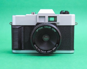 Vintage 35mm P&S film working TOY camera. Plastic Fantastic! Great for lomography. In working condition! Plastic lens. Free shipping